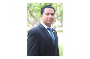 ชื่อ - สกุล ดร.สมปราชญ์ วุฒิจันทร์ ตำแหน่งอาจารย์ วุฒิการศึกษา ศศ.ม. (ภาษาไทย) สถาบันการศึกษา มหาวิทยาลัยสงขลานครินทร์ อีเมล์ - โทรศัพท์ภายใน 077-913363 ความเชี่ยวชาญ ภาษาและวรรณคดี
